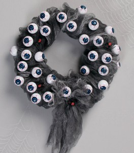 Halloween eyeball wreath DIY