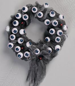 Halloween eyeball wreath DIY