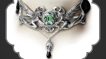Top 10 Best Necklaces to Wear on Halloween