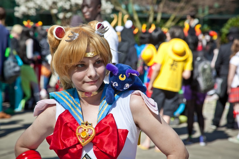 Sailor Moon with Luna Cosplay
